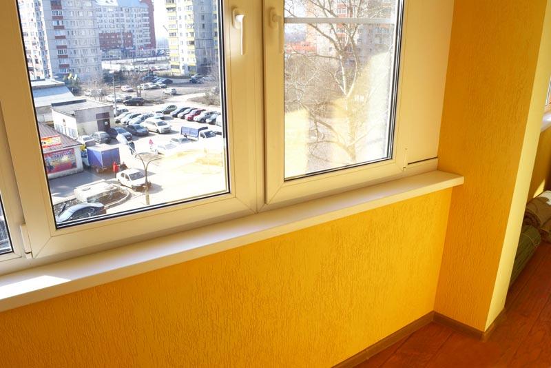 Отделка балкона короедом.